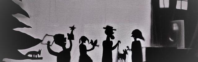 Schattentheater im Wald